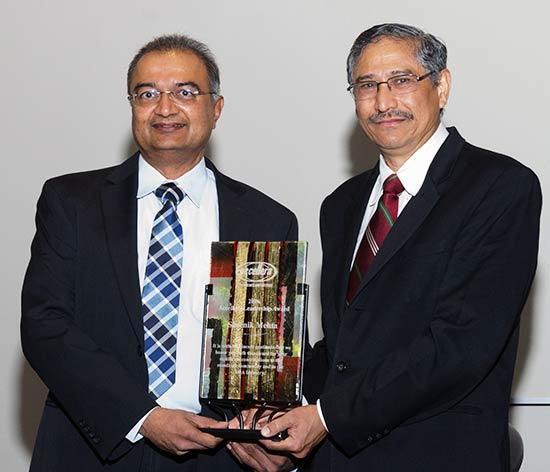 Shrenik Mehta receives Leadership Award at DAC 2016